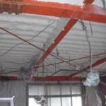 鉄骨折板天井断熱 施工