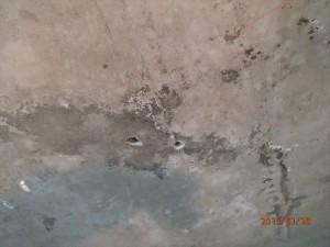 穿孔後の漏水箇所